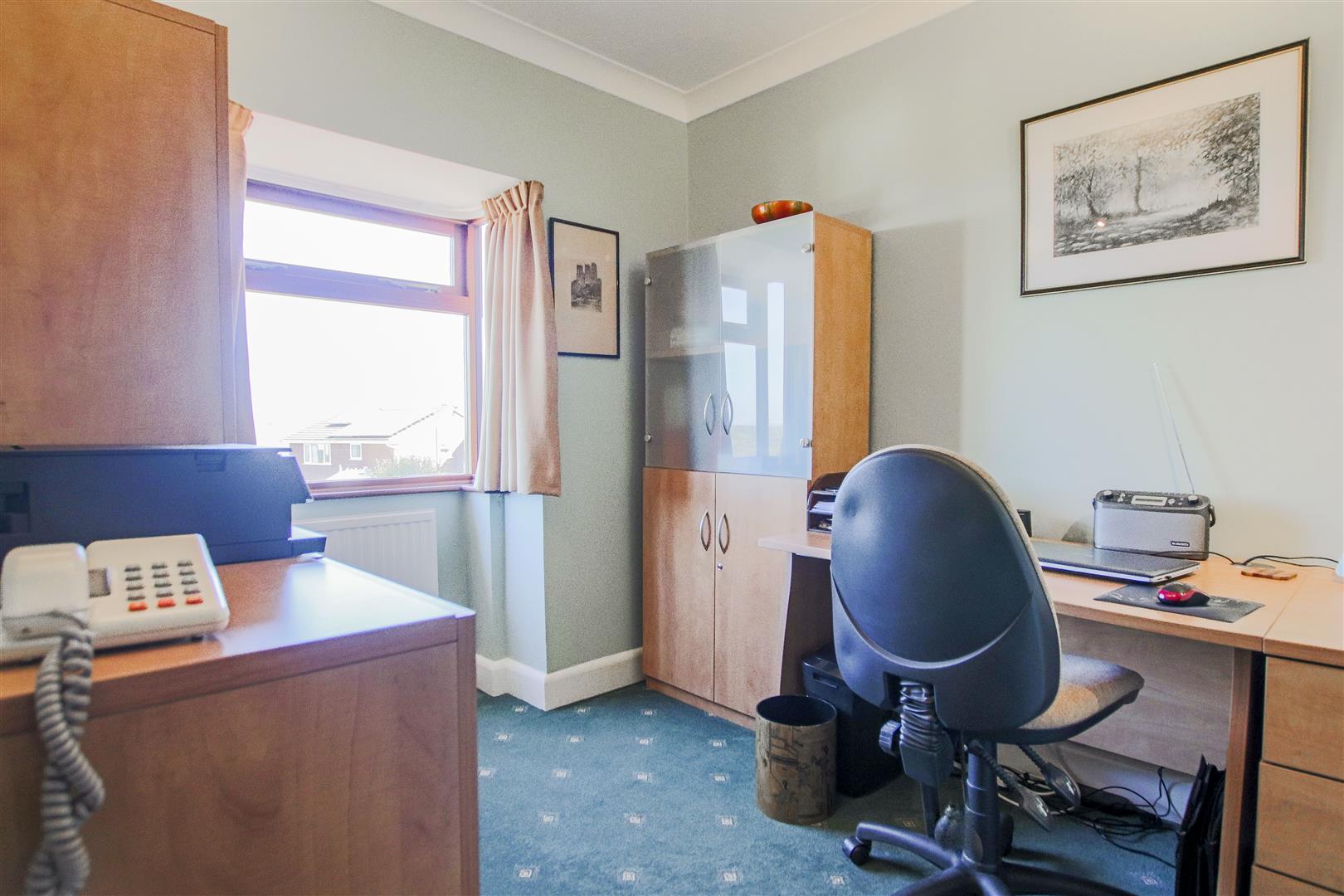 4 Bedroom Detached House For Sale - 41.JPG